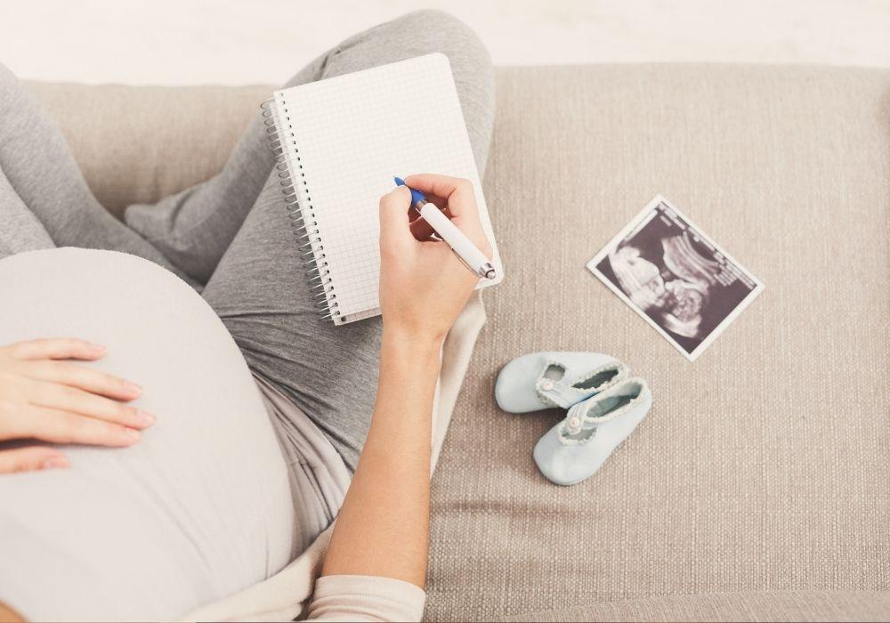 חד הורית בהריון בהיריון יחידנית