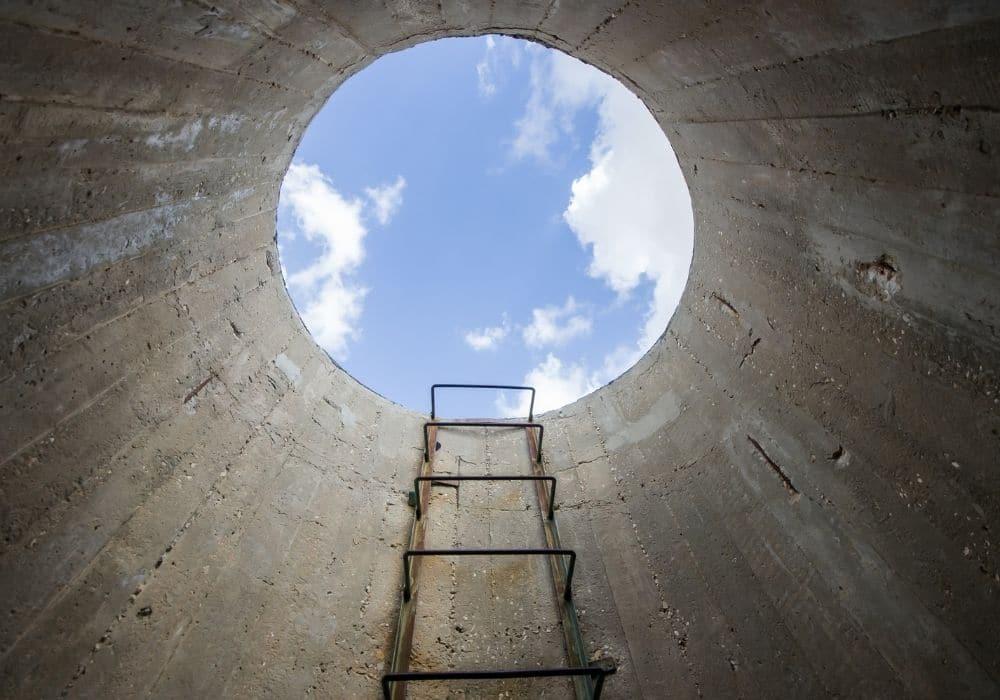 אור בקצה המנהרה עצב ובכי אחרי לידה