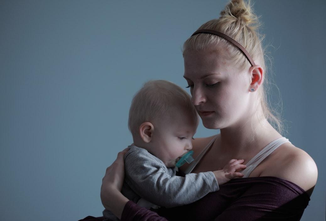 נשים אחרי לידה לא משוגעות, גם אם הן הורמונליות