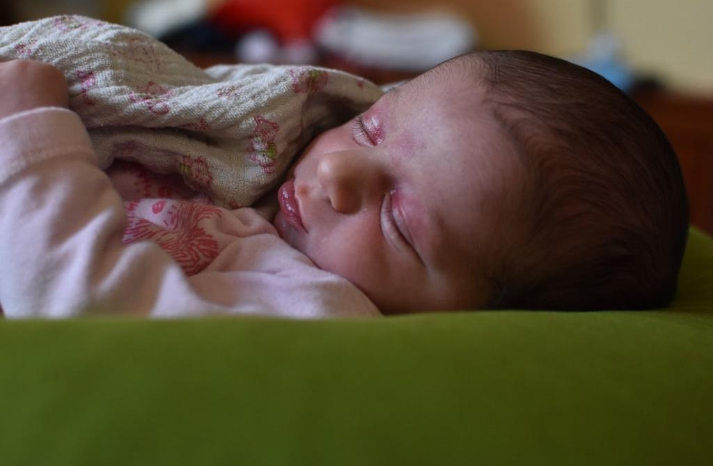תינוק ישן אמהות לתינוקות