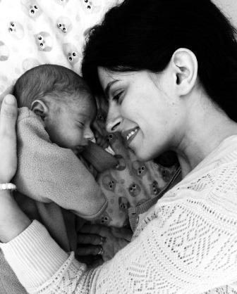 תינוק תינוקת אהבה אחרי לידה הריון ולידה משפחה, חופשת לידה