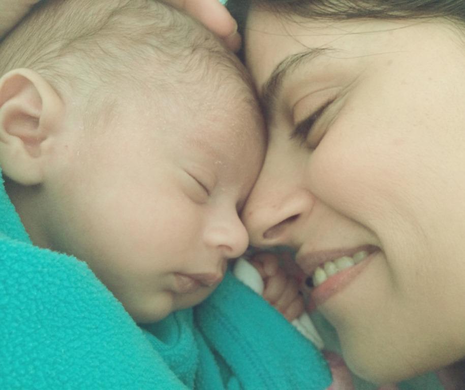 ההנקה מניקה, להניק תינוקת הריון ולידה