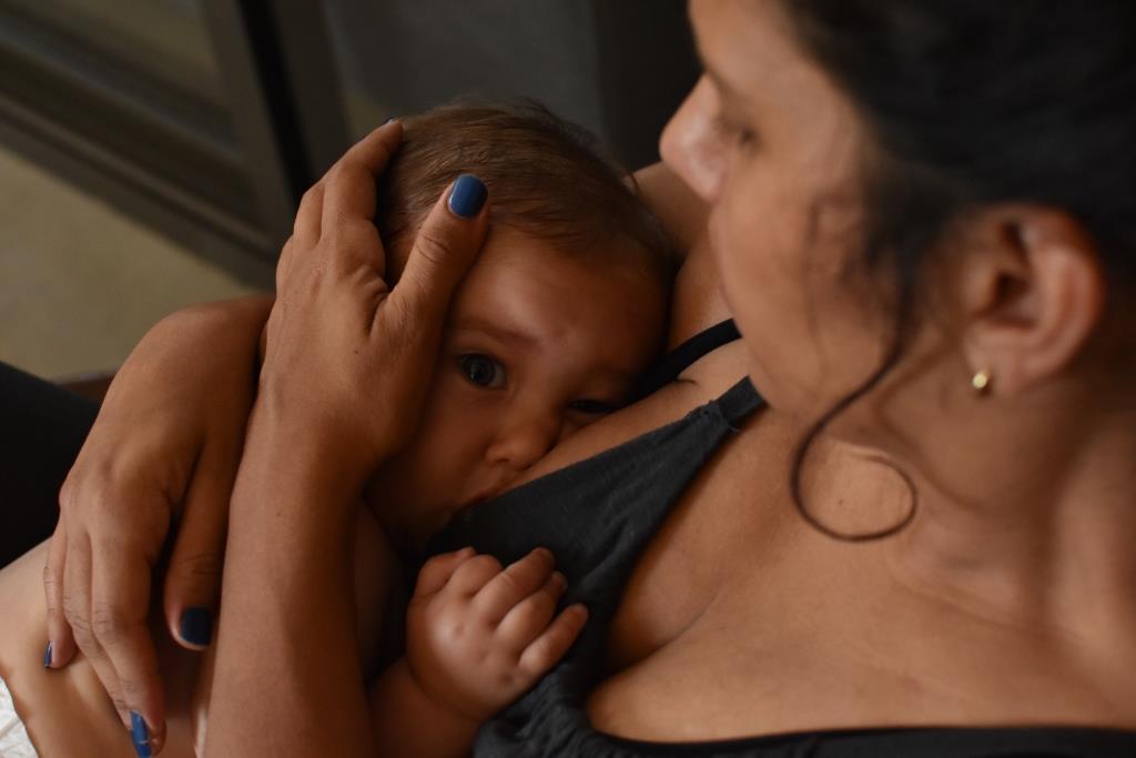 שההנקה, תינוק, אמא, אמהות, לידה, אחרי לידה, היריון