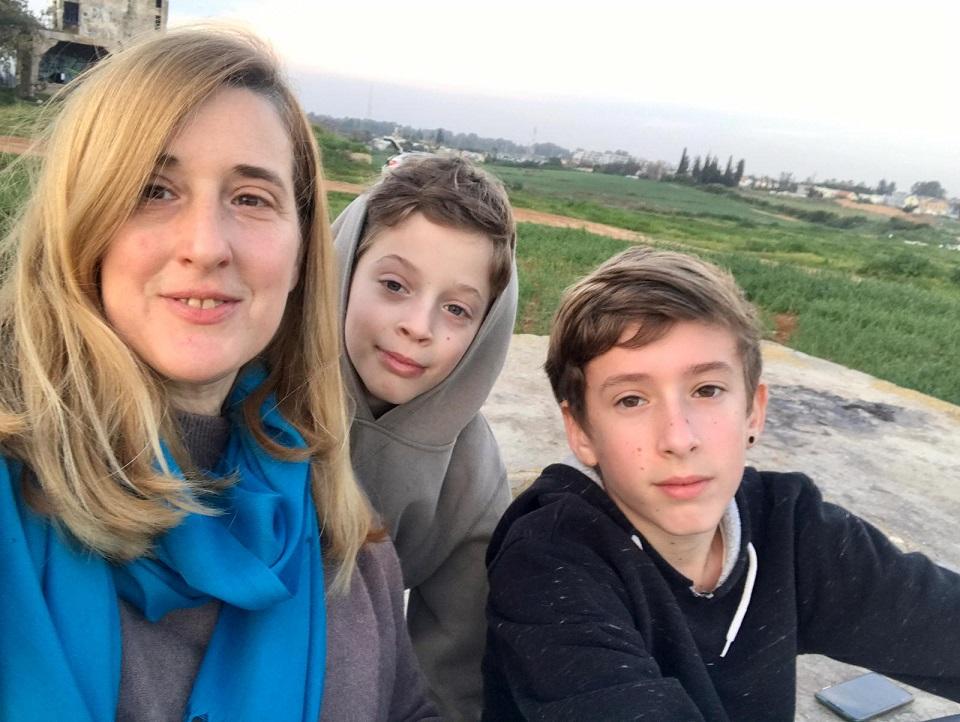 פרגון עצמי הילה פיאלקוב ילדים בוגרים תחושת הצלחה בהורות